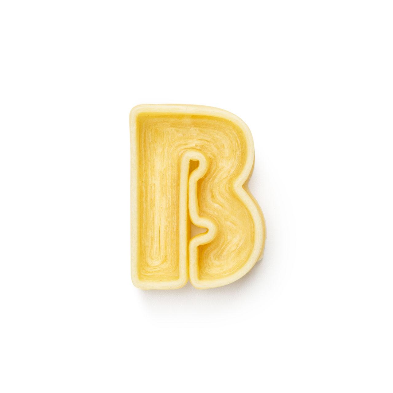 La lettera B di pasta